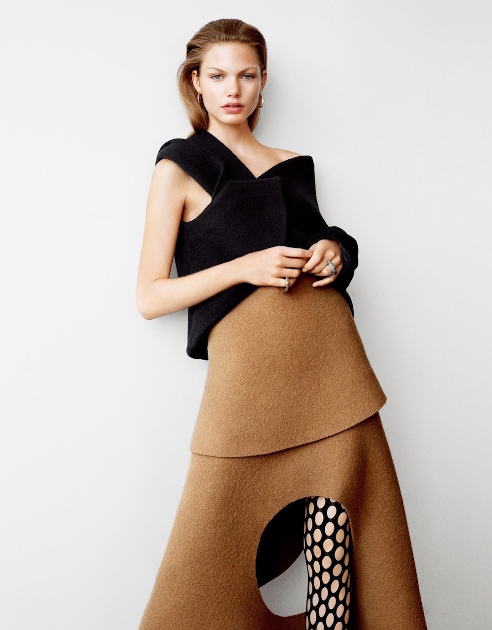 .VOGUE-JAPAN-SEPTEMBER-2015-BY-MACIEK-KOBIELSKI-1-fishnet-trend-oracle-fox