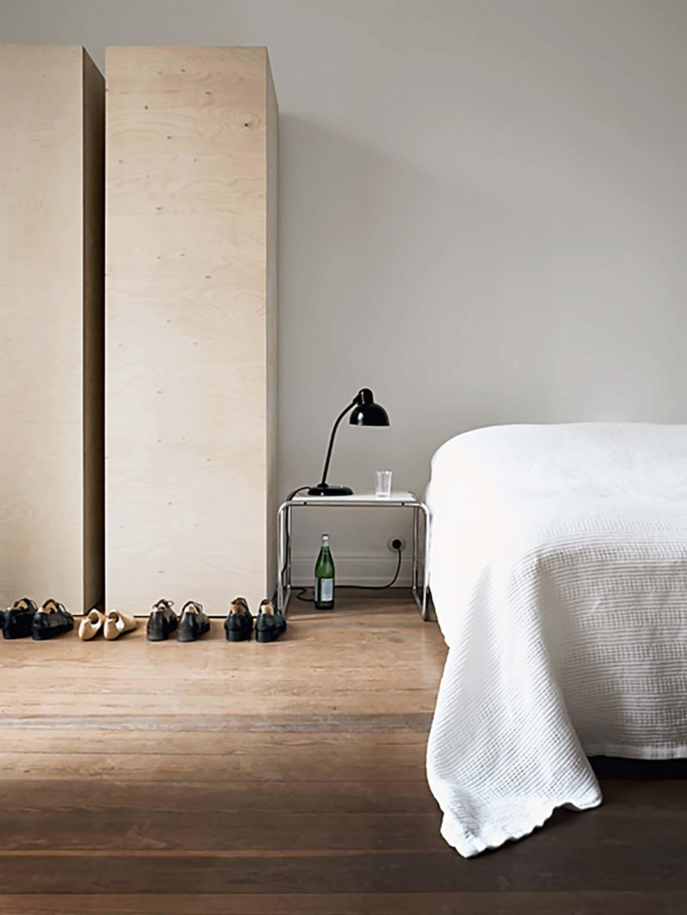 Bauhaus-Design-Icons-Sunday-Sanctuary-Oracel-Fox02