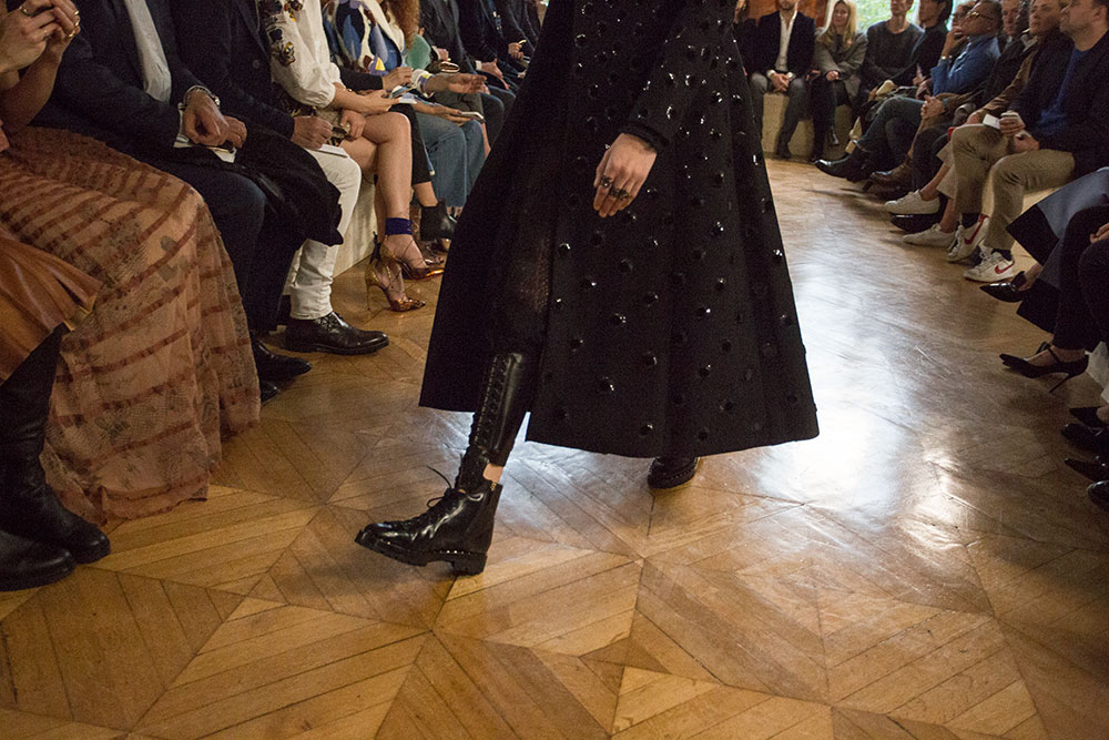 Valentino-AW-2017-Ready-To-Wear-Paris-Fashion-Week-Oracle-Fox111