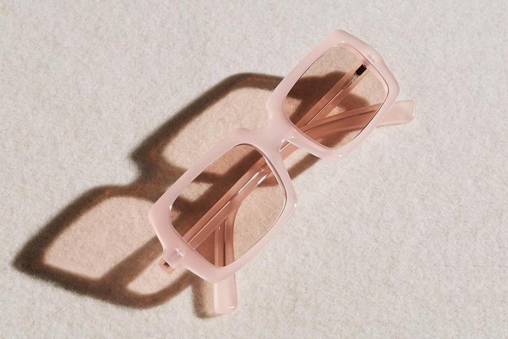 Eye-Candy-Trend-Post-Sunglasses-Oracle-Fox-Amanda-Sahdforth-09