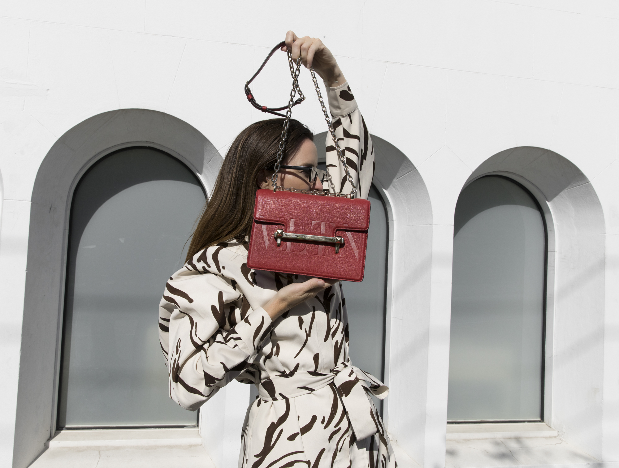 Valentino Bag, Red Bag, Monochrome Outfit, Rejina Pyo Shoes, white shoes