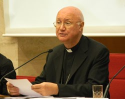 2010102240archbishop_claudio_maria_celli_at_catholicpress_conference.jpg