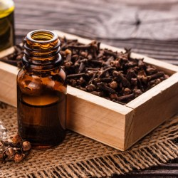 Clove oil, natural toothache Remedy