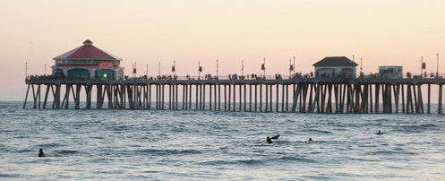 RUBY'S DINER has been at the end of the Huntington Beach Pier since 1993 (Wikipedia photo).