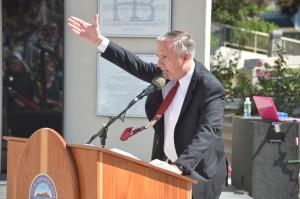 MAYOR JIM KATAPODIS speaks at memorial (OC Tribune photo).