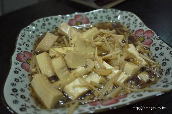 金針菇煨豆腐