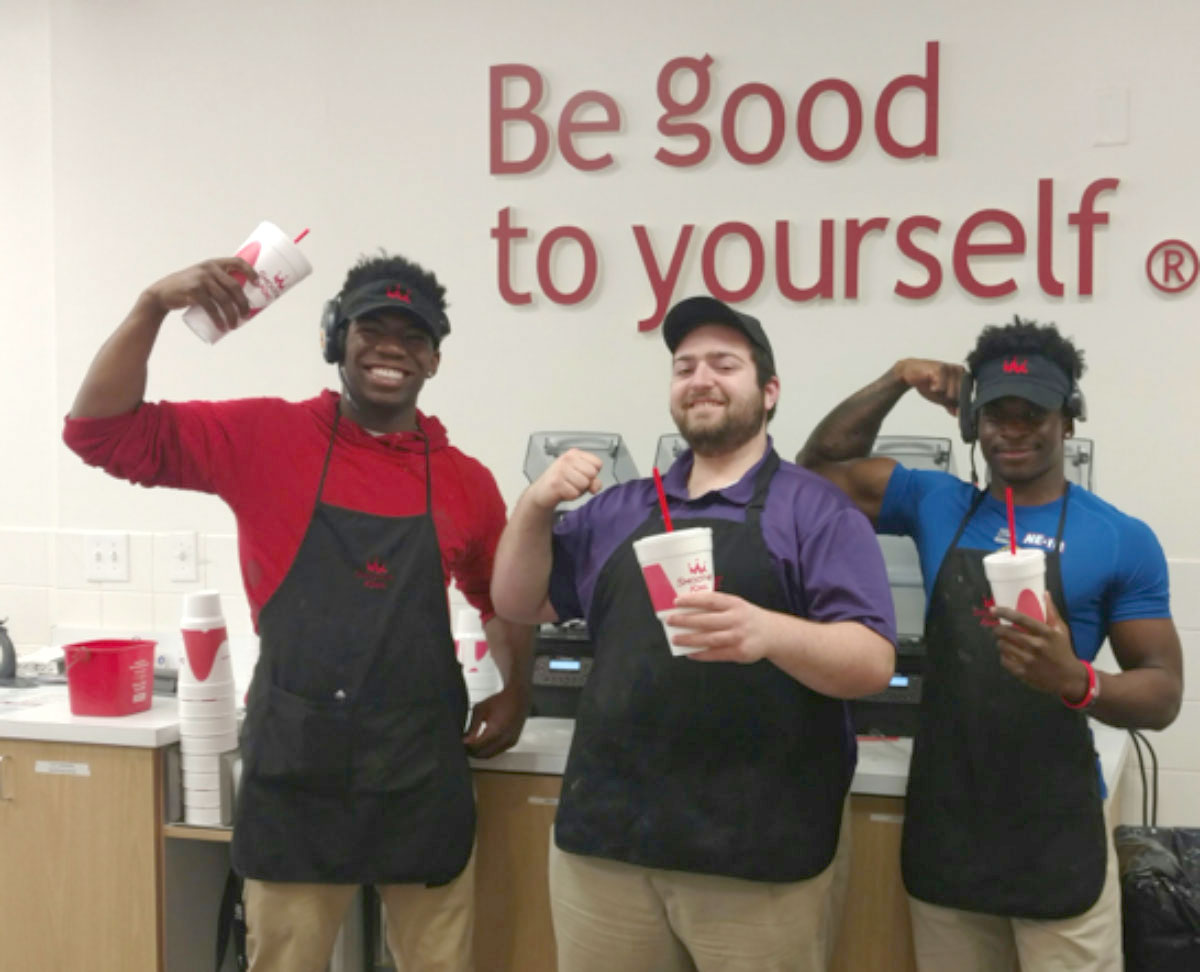 """Smoothie King's """"Change A Meal Challenge"""" Returns For Its Third Year"""