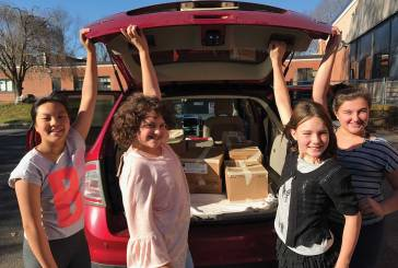 Race Brook School's Students & Families Donate Food to Those in Need