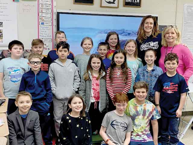Fourth Graders at Race Brook School Convince Local Business Owner to Go Green