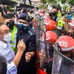 Malaysia melakar sejarah, ahli Parlimen dihalang oleh FRU untuk masuk ke Parlimen