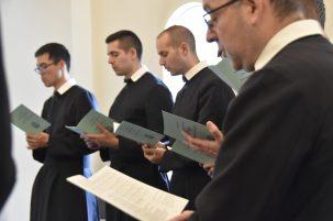 Oratorians sing the Te Deum