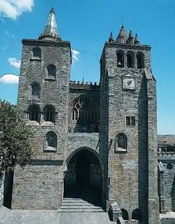Igreja_Juramento_da_Espada A Coroa da Ruína, 2ª Parte: Burocracia em Marantel, sessão II