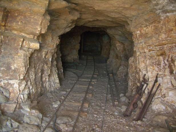 a9902-minascallant Morte nas Minas Callant