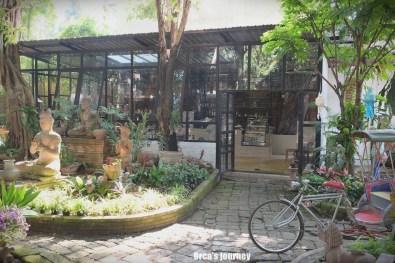 Clay Studio Coffee In The Garden
