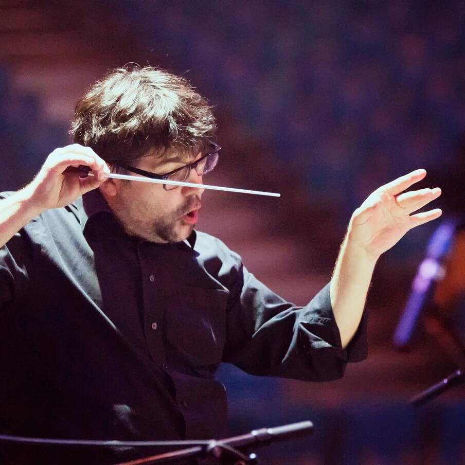 Clément Joubert dirige