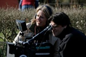 Henrik Kristensen og instruktør Charlotte Sachs Bostrup på set.