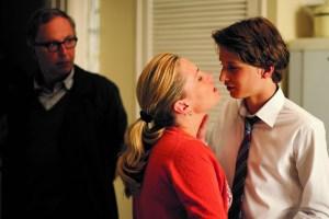 Seksuelle spændinger opstår mellem Claude og Raphas mor, samtidig optræder Germaine i scenen for at påvirke historiens retning. Foto: Camera Film