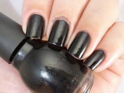 Sinful Colors - Black on black