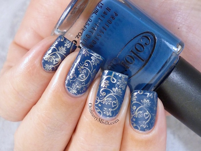 31DC2015 Day 5 Blue nails
