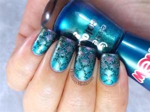 Scaled atlantis nail art
