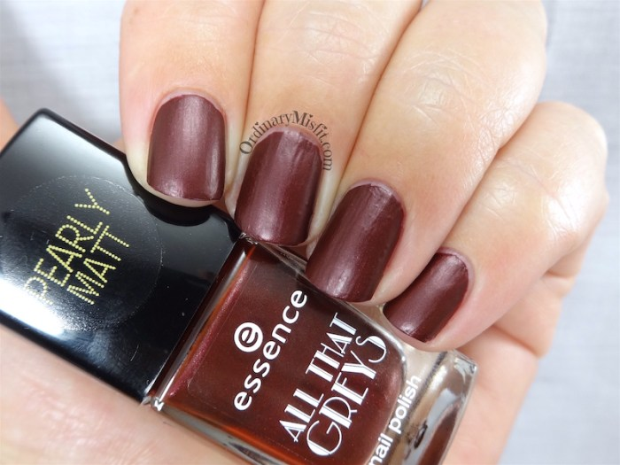 Essence All that Greys - Roaring red
