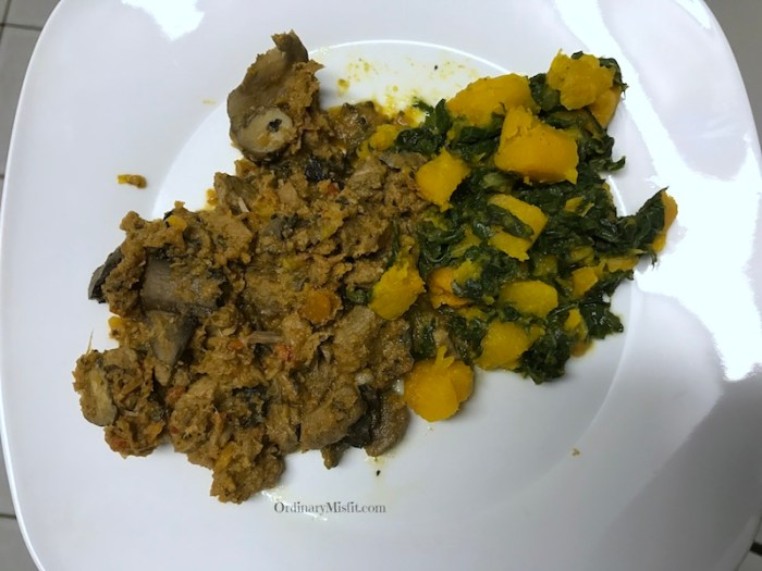 Beef goulash with pumpkin & spinach