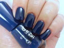 Essence - Royal blue