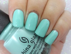 China Glaze - Too much of a good fling