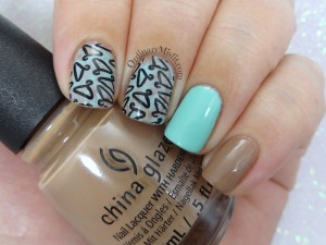 Hanging a bare fling nail art