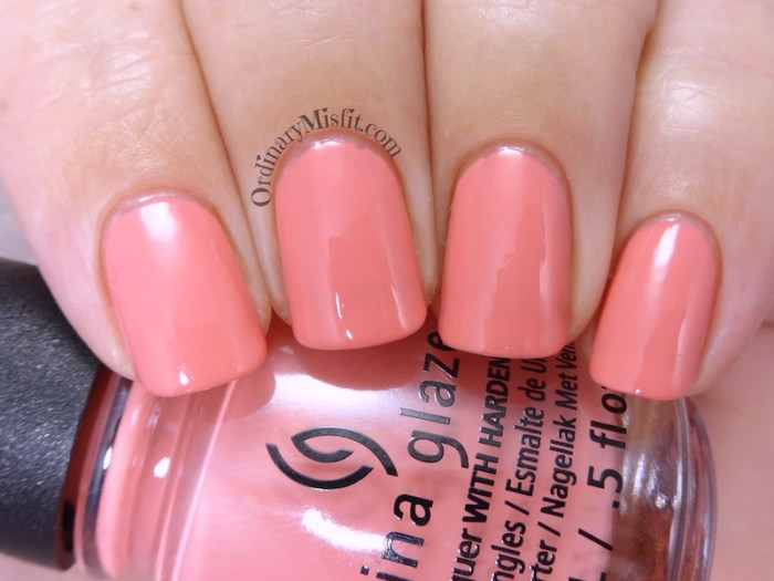 China Glaze - Can't sandal this