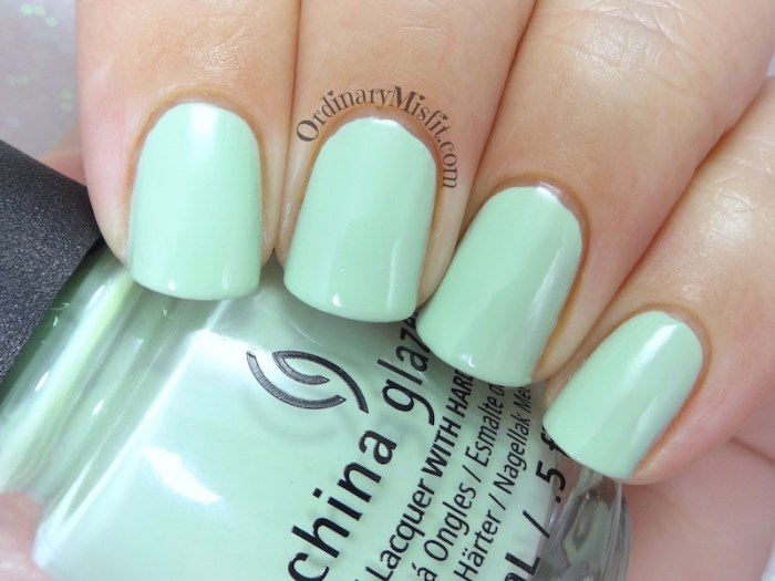 China Glaze - Spring jungle