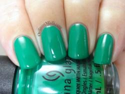China Glaze - Emerald bae