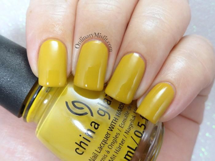 China Glaze - Mustard the courage