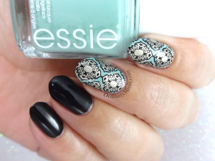 Moroccan mint nail art