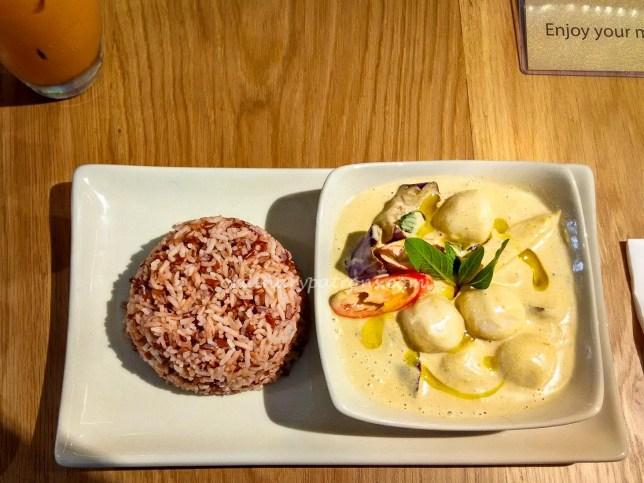 Cha Thai green curry