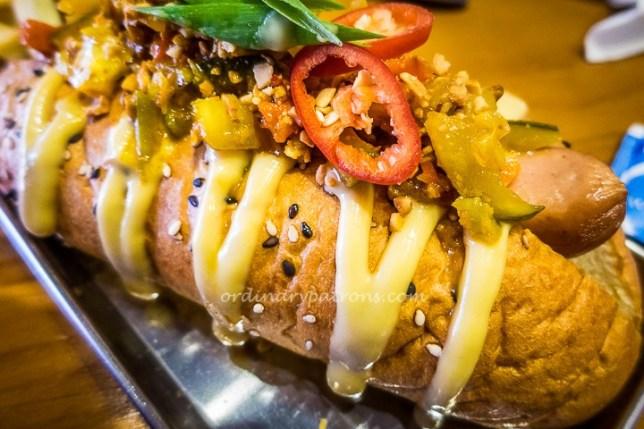Avenue Singapore hot dog