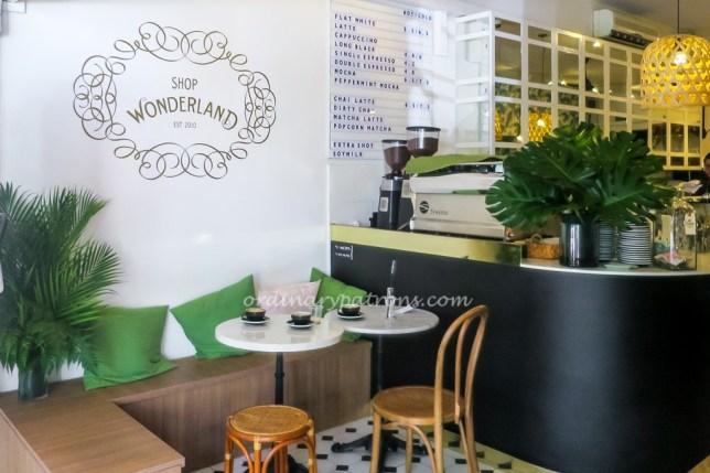 Shop Wonderland Cafe entrance