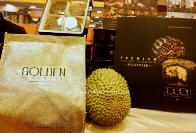 Golden Moments Mooncakes