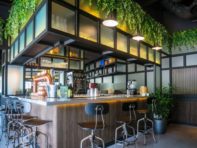 The Stamford Brasserie Bar in Raffles City