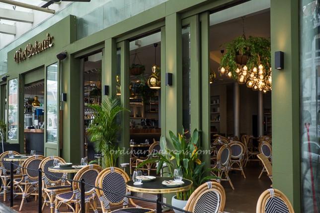 The Botanic Restaurant Raffles City al fresco area