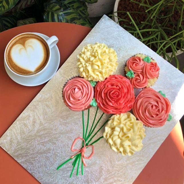 SPRMRKT Mother's Day Cupcake bouquet