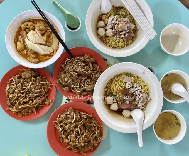 Outram Park Fried Kway Teow, Tai Wah Pork Noodle,   Ah Heng Curry Chicken Bee Hoon Mee, Singapore Michelin Guide Food at Hong Lim Food Centre