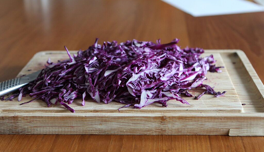 Sauerkraut-Sliced-Raw-Cabbage_865X500