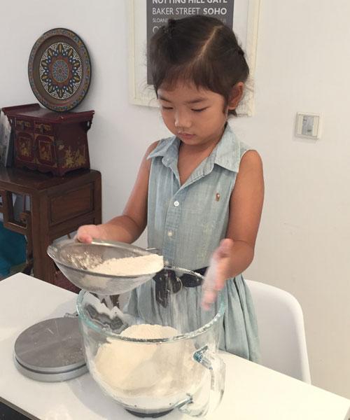 Making ginger bread
