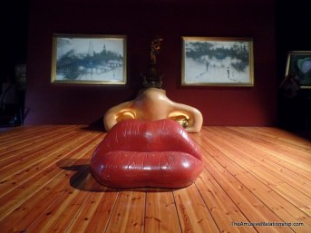 Mae West furniture