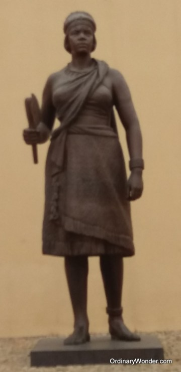 Statue of the queen who ruled before Portugal