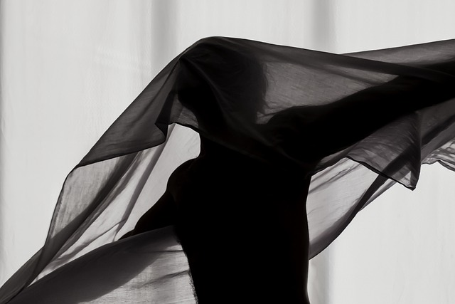 silhouette-5238968_640