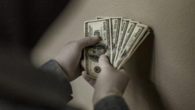 "Photo of Will the dollar get sick? What threatens your savings, ""scattered from a helicopter"" in US"
