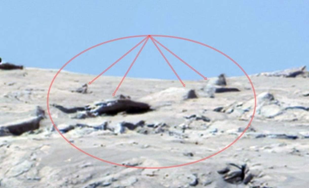UFO crash on Mars 4
