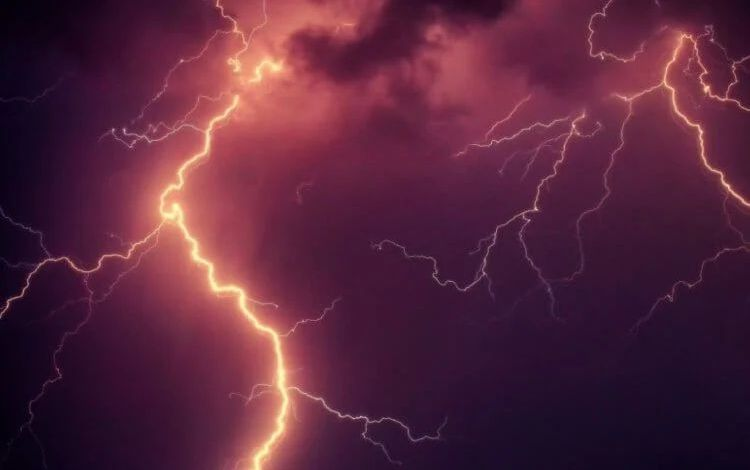 rain lightning image one 750x473 1
